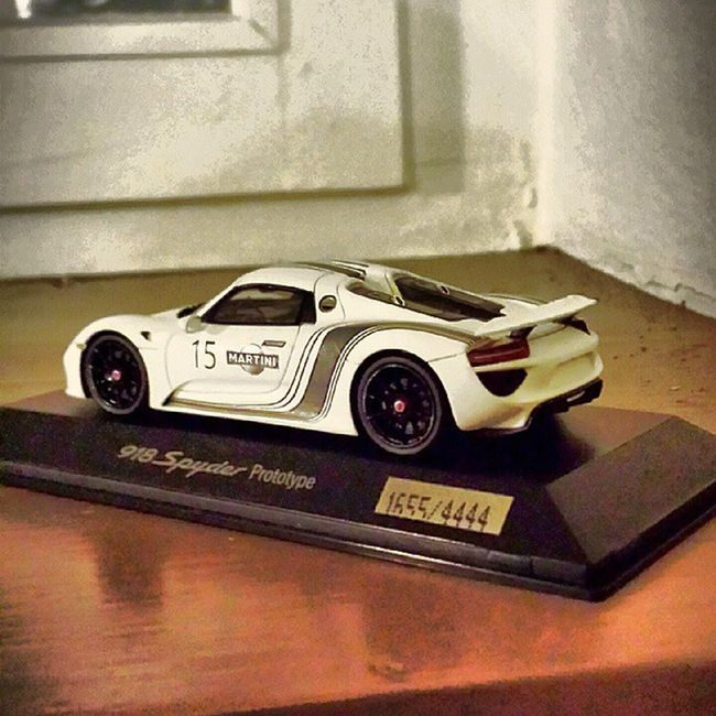 Limited edition n*1655/4444 Porsche White Porsche918 918 918spyder limitededition toysminiatures 1/43