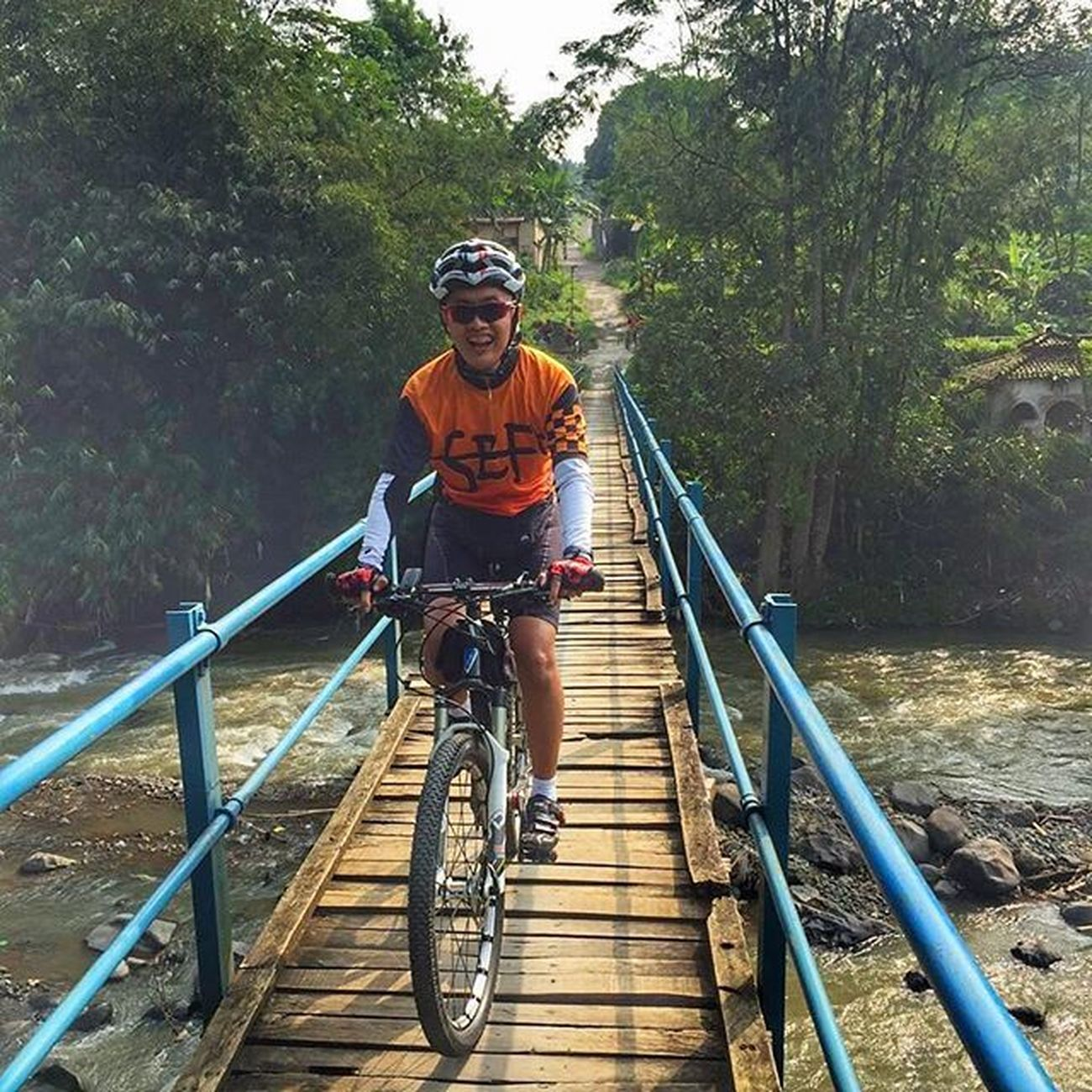 crossing wooden bridge from rancamaya to kertamaya Sefo  Cipelang