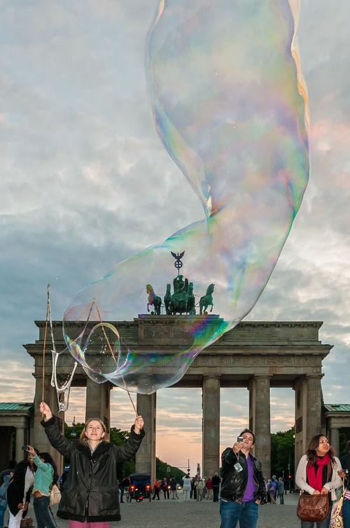 Brandenburg Fun Brandenburg Gate Bubble Casual Clothing Cloud Cloud - Sky Cloudy Enjoyment Fun Huge Bubble Leisure Activity Lifestyles Memorial Outdoors Sky Tourist