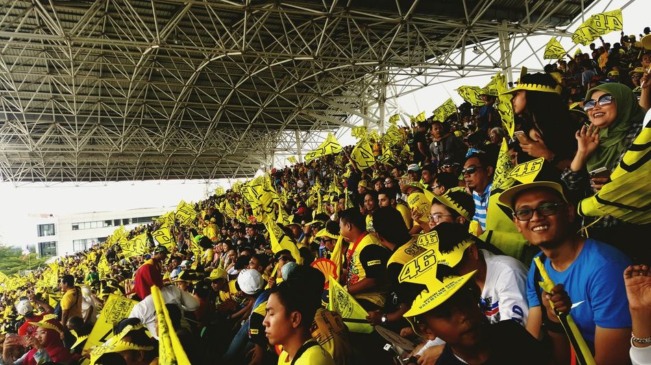 Enjoy The New Normal The crowds cheering In Sepang Circuit making a vibrant atmosphere for Motogp and especially for Valentino Rossi! 😃👋 Motogp Sepang Sepang International Circuit Malaysia Valentino Rossi VR46