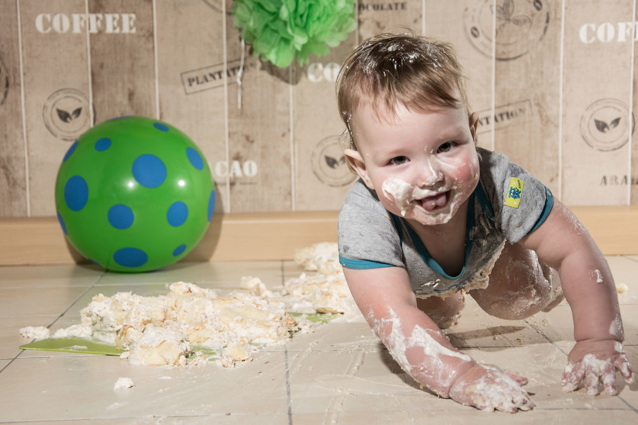 4x4 baby by www.eightTWOeightSIX.de Child Happiness Fun Childhood Smiling One Person Portrait Kitchen Cuteness Adorable Baby Adorable Lovely Cute White Skin Cake Baby Portrait Captured Moment Capture The Moment Children Photography Babyboy Baby Kids Having Fun Erzgebirge Portrait Photography Kids Playing Handmade For You