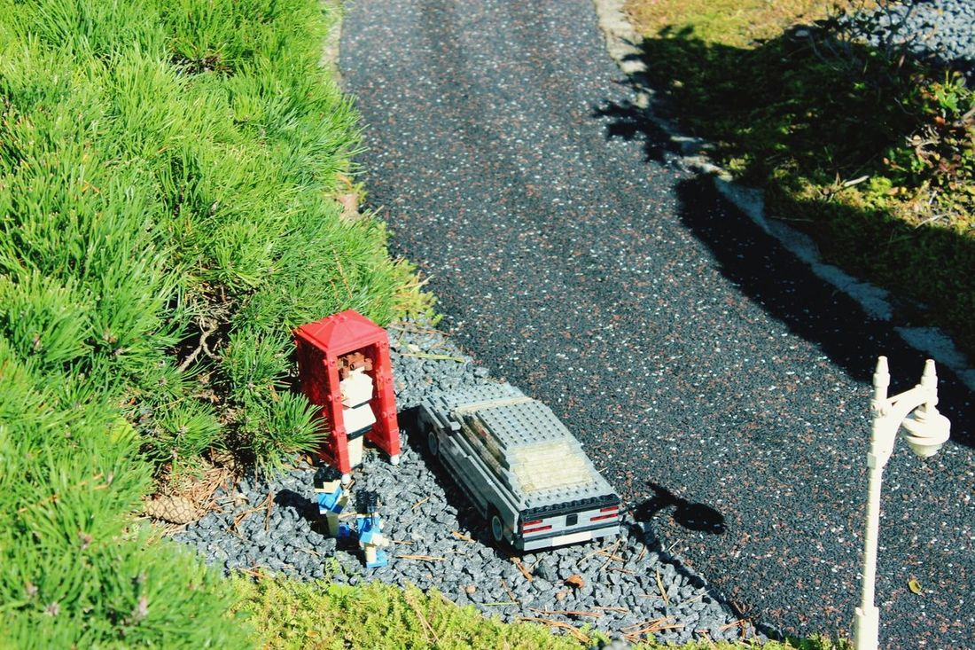 High Angle View Day Outdoors Shadow Grass Sunlight Field No People Nature Water Architecture Statue Travel Destinations Growth Nachbau Gebaut Freshness Focus On Foreground Legophotography LEGO Politics And Government Green Color Freiheitsstatue Nature Legopark
