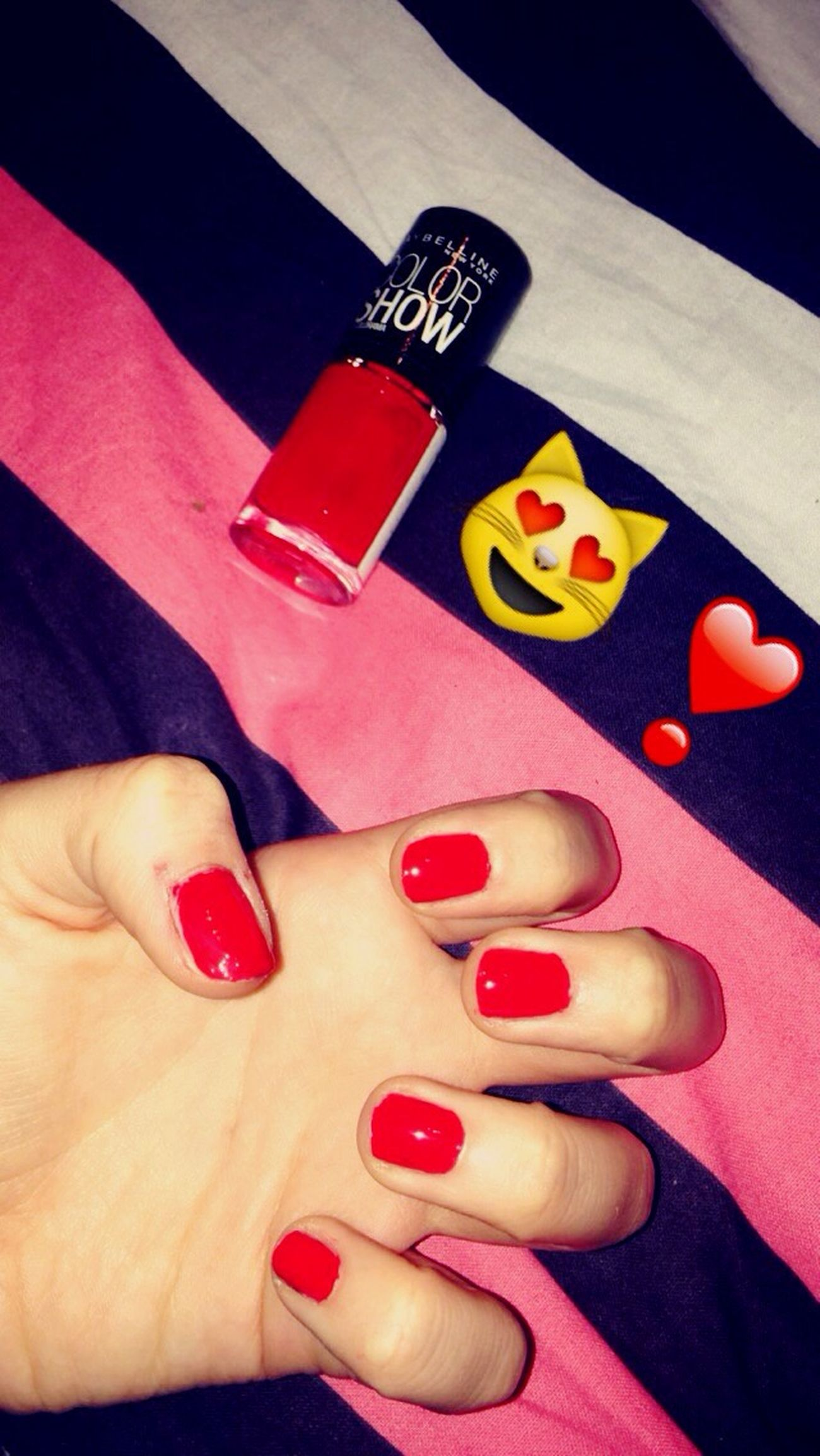 💅🏼 Taking Photos Enjoying Life That's Me Modeling Beautiful Model Girl Ongles Vernis Rouge Vacances