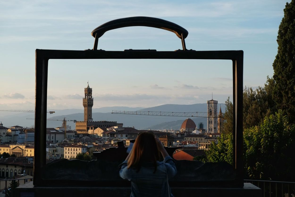 Framing Florence Folon Viewpoint Hillview Guardinodellerose Florence Bronze Sculpture Framed Taking Photos Young Woman TCPM Envision The Future Girl Power Miles Away The Great Outdoors - 2016 EyeEm Awards Fine Art Photography People And Places Enjoy The New Normal Embrace Urban Life Women Around The World Your Ticket To Europe