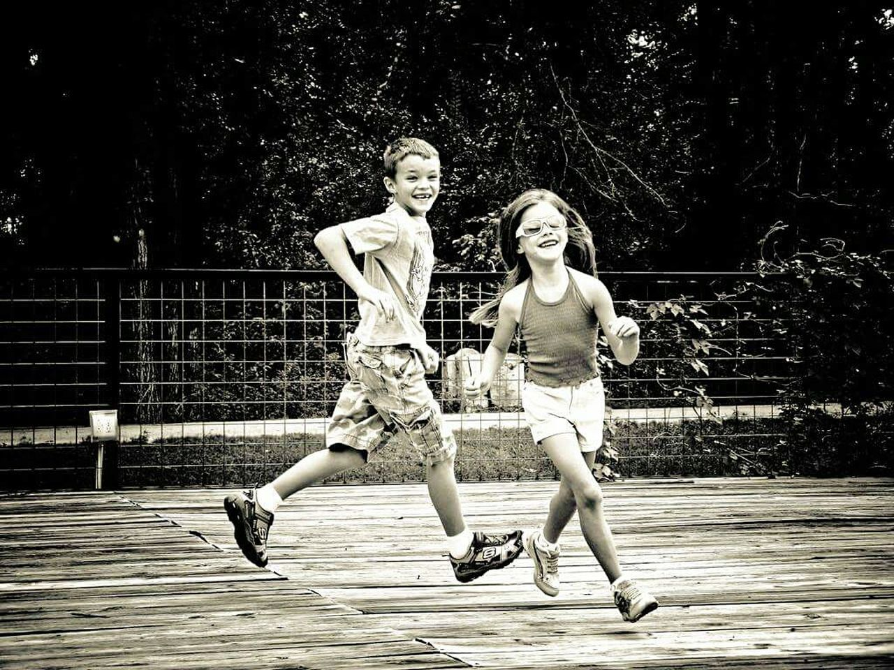 Oh to be a kid again. Urban Lifestyle Children Childhood Playing Running Smiling Laughter EyeEm Best Edits EyeEm Best Shots