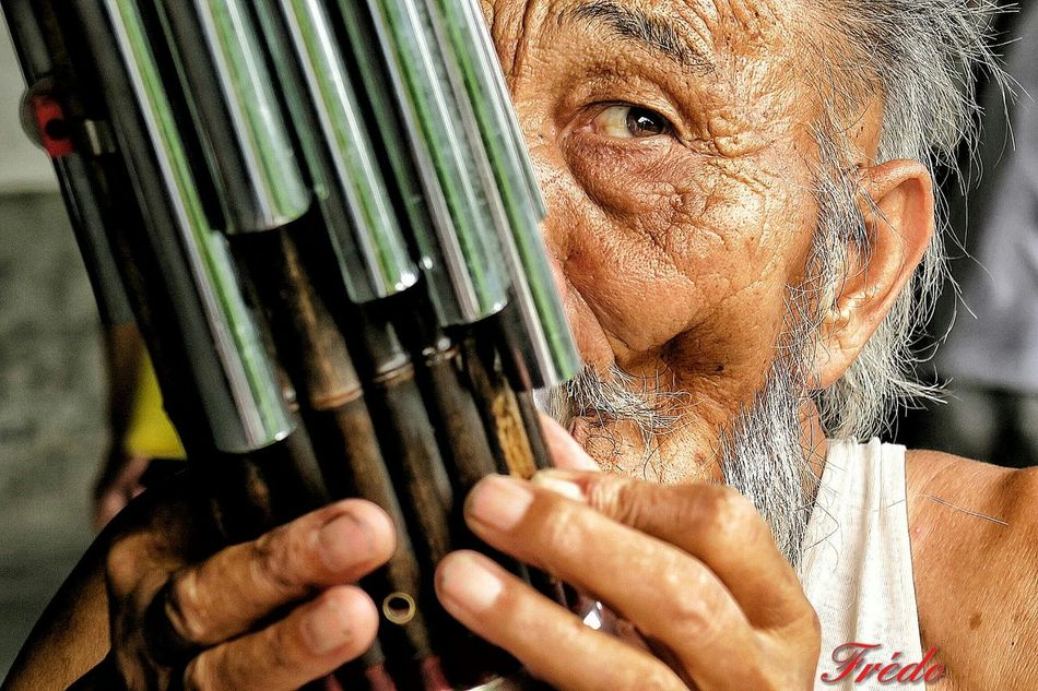 The Old Chinese Musician Of Temple Of Heaven Lifestyles Leisure Activity Person Human Face Beauty HUMANITY Day Looking At Camera Streetphoto_color EyeEm Gallery Beijing, China China In My Eyes Eye4photography  Street Photography People And Places Street Photos😄📷🏫⛪🚒🚐🚲⚠ Street Portrait Headshot Portrait Of A Man  China Photos BEIJING北京CHINA中国BEAUTY Old Chinese Man Temple Of Heaven Park Temple Of Heaven