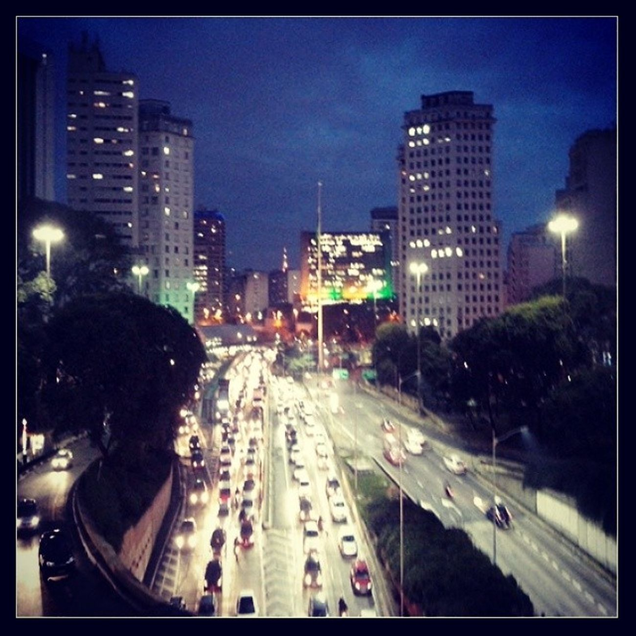 Saopaulo Brasil Vintetresdrmaio vista pelo Viadutodocha
