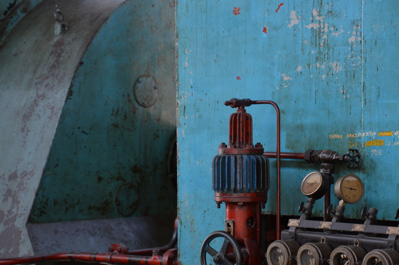 rusty, pipe - tube, weathered, abandoned, no people, day, old-fashioned, architecture, outdoors, close-up