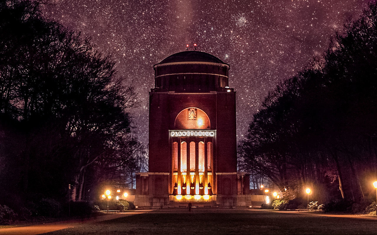 Planetarium in Hamburg, Germany at night with Stars :) Architecture Building Dark Cities At Night Planetarium Darkness And Light Light Low Angle View Night Outdoors Sience Sightseeing Sky Stars