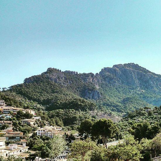 Good morning world, bon dia Mallorca. Vacationtweet Lifeisgood DailyMountainTweet Portdesóller Mallorca Baleares Spain
