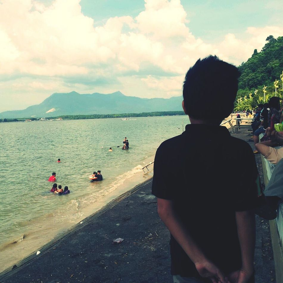Pantaimerdeka jauh perjalanan luas pemandangan.