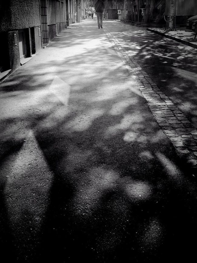 Creative Light And Shadow On my home street Streetphotography Streetphoto_bw Blancoynegro AMPt_community