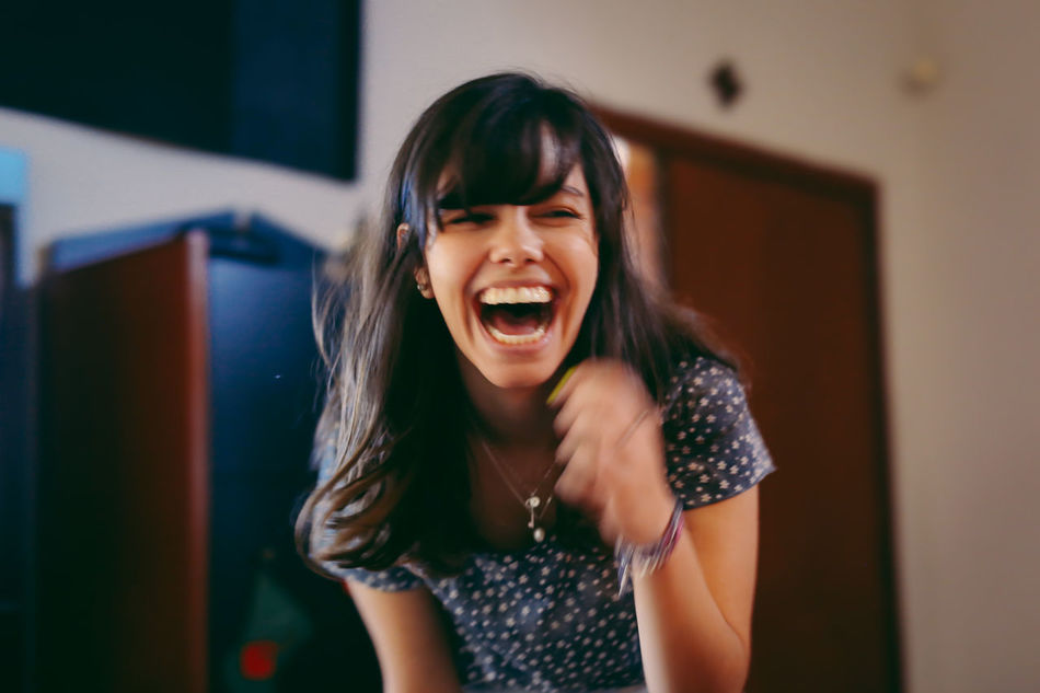 The best way to start your day: smiling! =) Blur Blurred Motion Candid Cheerful Enjoy The New Normal Girl Happiness Happy Indoors  Mouth Open One Person Out Of Focus People Portrait Portrait Of A Friend Portrait Of A Woman Portraits Real People Screaming Shouting Smile Smiling Young Adult