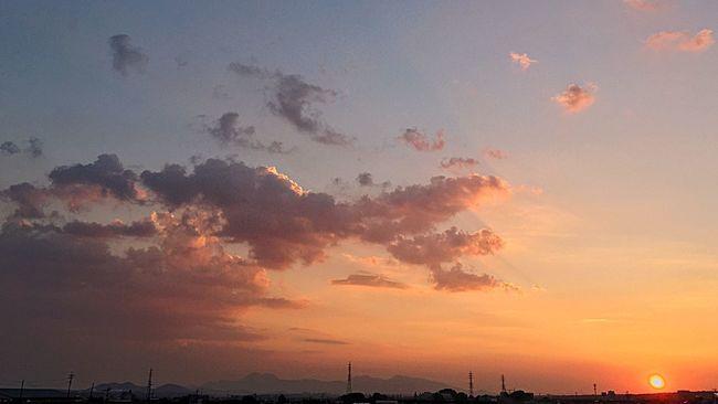 Summer Sky And Clouds Summer Sunsets  Summer Clouds Sunlight And Summer Clouds Sunshine ☀ Hot Summer Sky Summer 2016 Sunset And Clouds  Sunset #sun #clouds #skylovers #sky #nature #beautifulinnature #naturalbeauty #photography #landscape