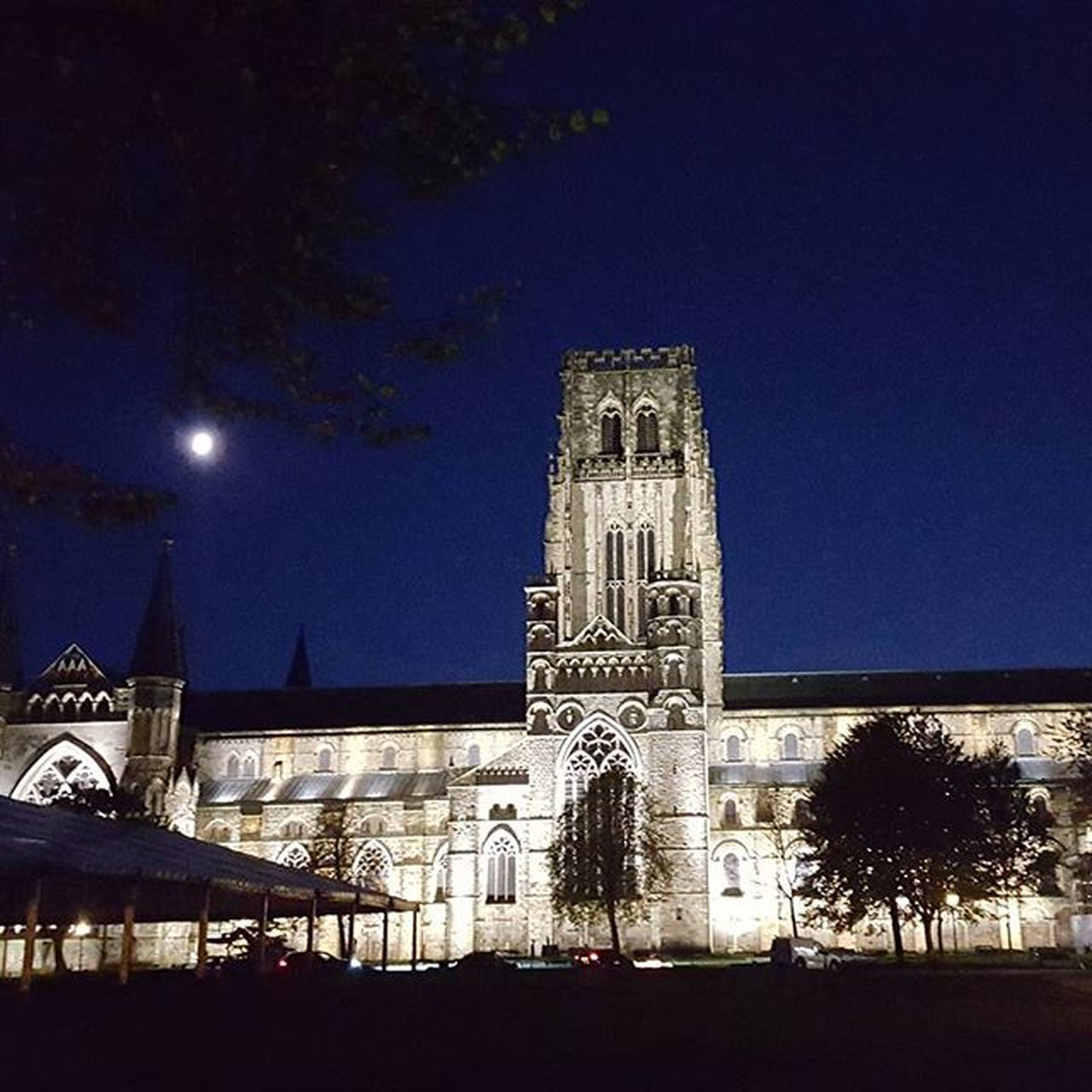 Durham Cathedral at night Home DurhamCathedral Nofilter Moon nightsky
