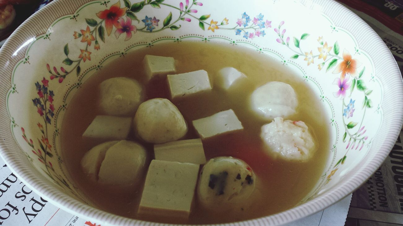 Mom's home cooked lunch - fish ball and beancurd soup Home Sweet Home Singapore Food TheBreadeats Eating