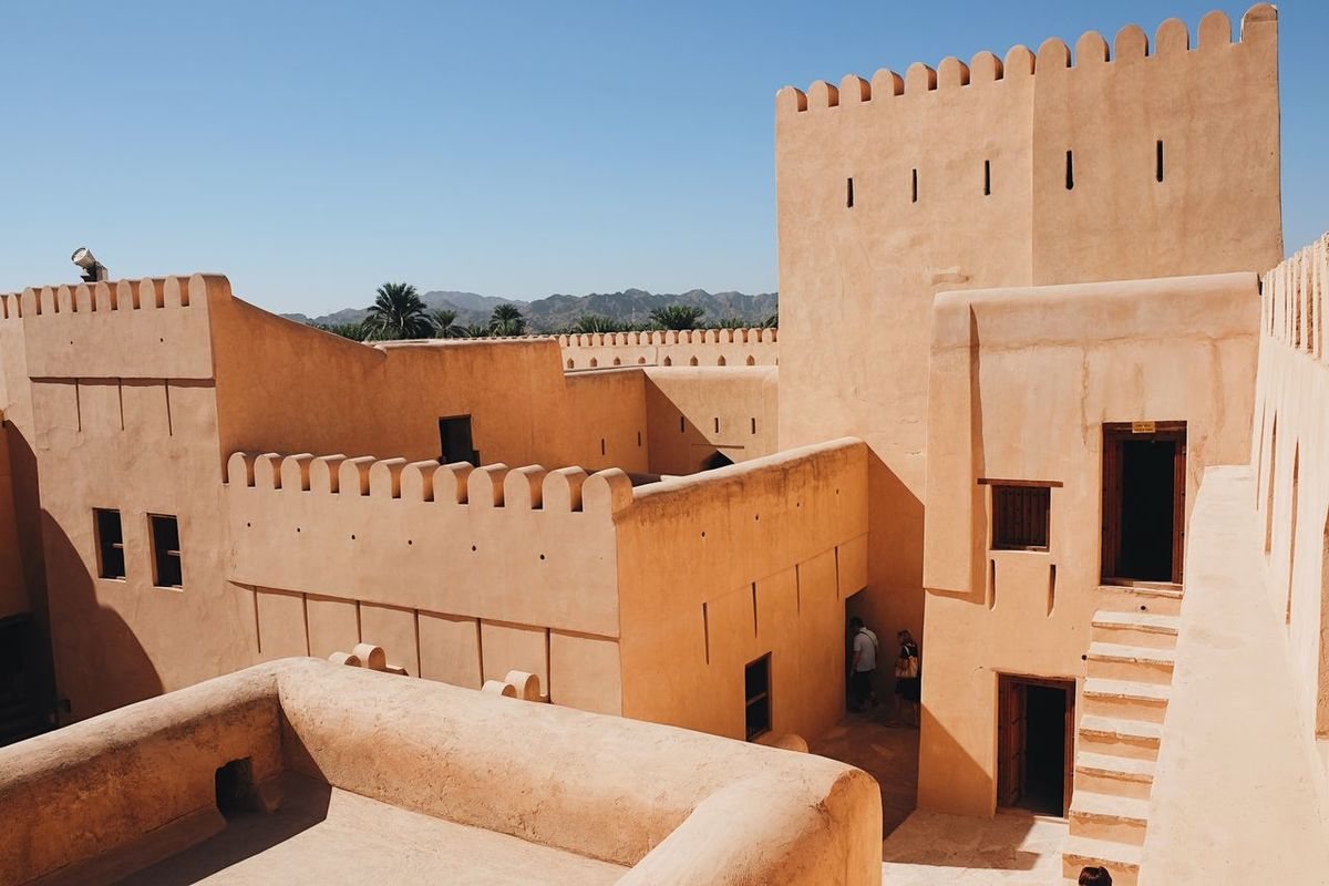 Architecture Building Exterior Built Structure Travel Destinations Outdoors Oman Oman_photography Oman_photo Nizwa Nizwa Fort Ancient Old Fort Sunny Tourism