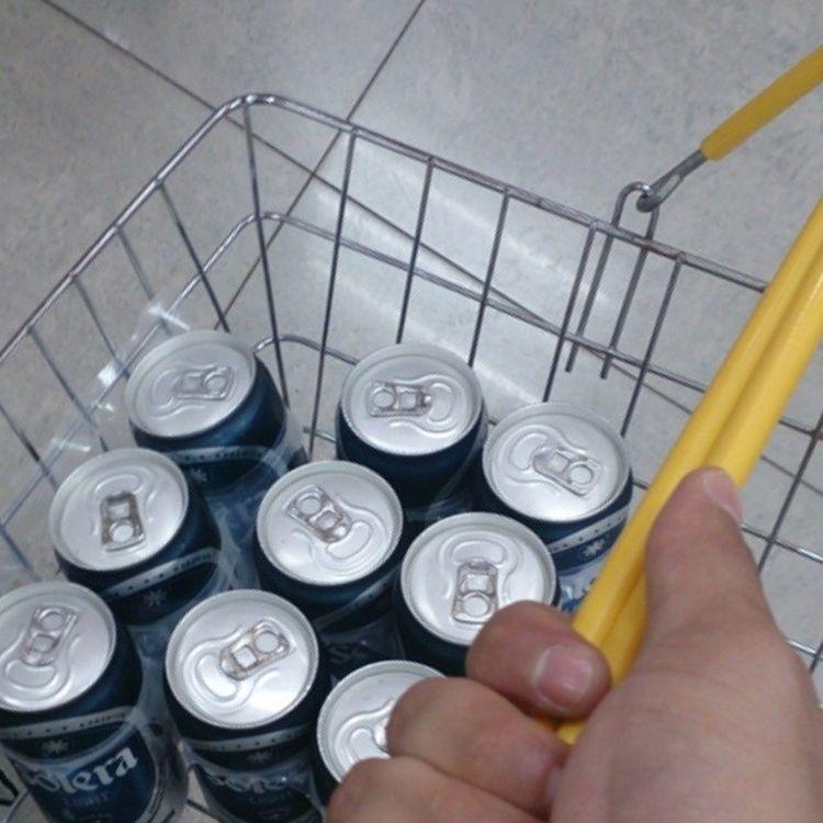 Así hago las tareas del hogar despacito kkkkk Beer Polar  Solera papas de visita ??
