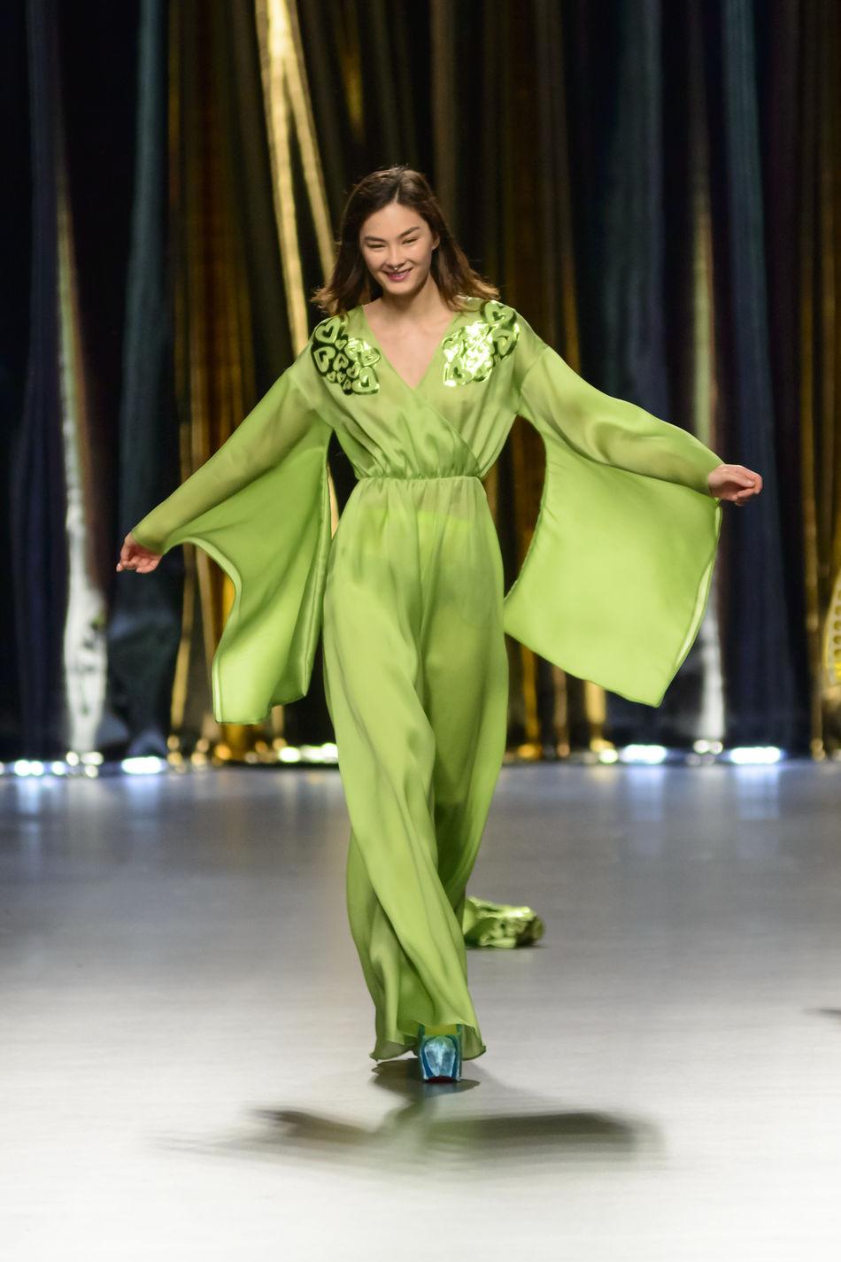Agatha Ruiz De La Prada - Merecedes Benz Fashion Week Madrid 2016 - Autumn-Winter 2016-2017. Catwalk Clothes Editorial  Fashion Fashion Show Fashion Week Full Length Mbfw Mbfw2016 Mercedes Benz Fashion Week Models Portrait Standing Woman Women Young Adult