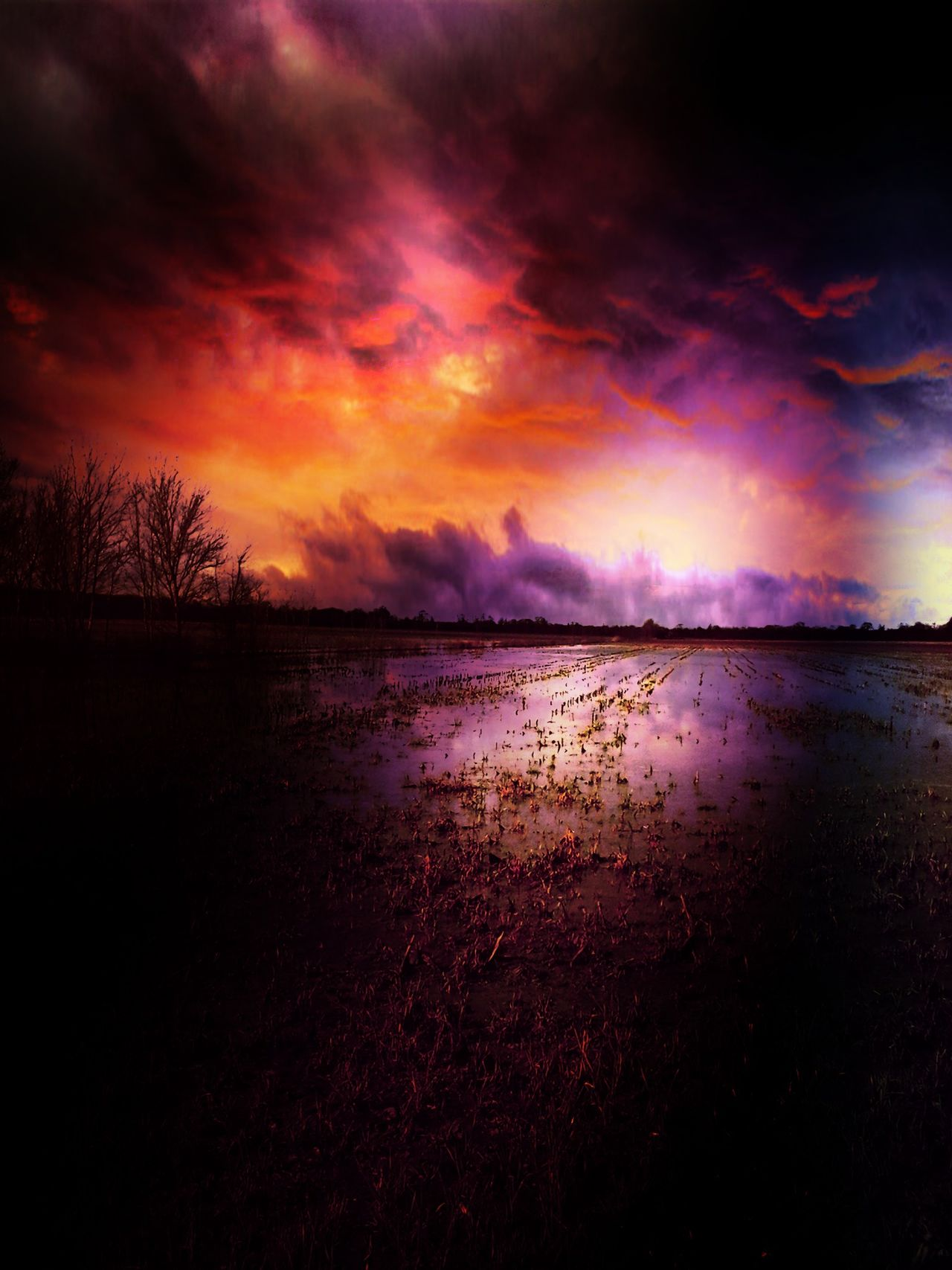 Stormy Night A Sunday Evening Watching And Waiting.... Haunting Skies Check This Out Capture The Moment Color Explosion