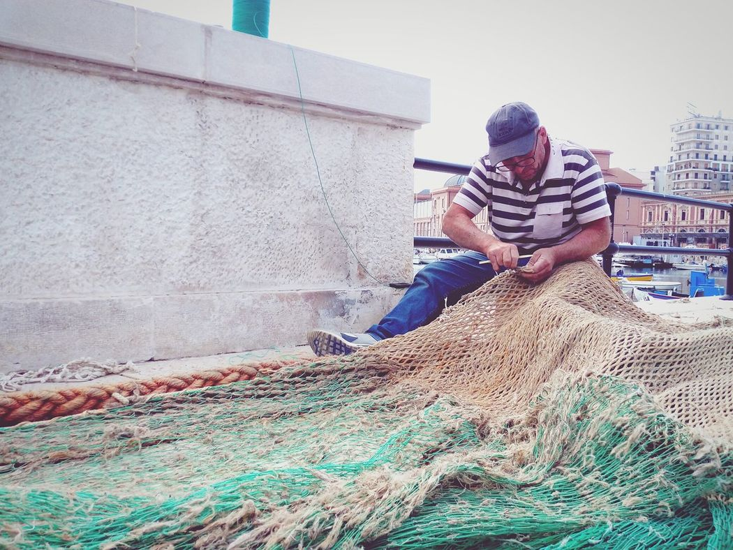 Fisherman Pescatore Reti Bari People And Places People And Places.