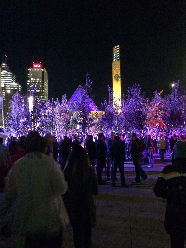 After hearing the Edmonton Symphphony Orchestra perform Prokofiev's 2nd piano concerto and Beethoven's 5th symphony, it was off to nuit blanche. Walking Around Hanging Out Enjoying Life Enjoying Art