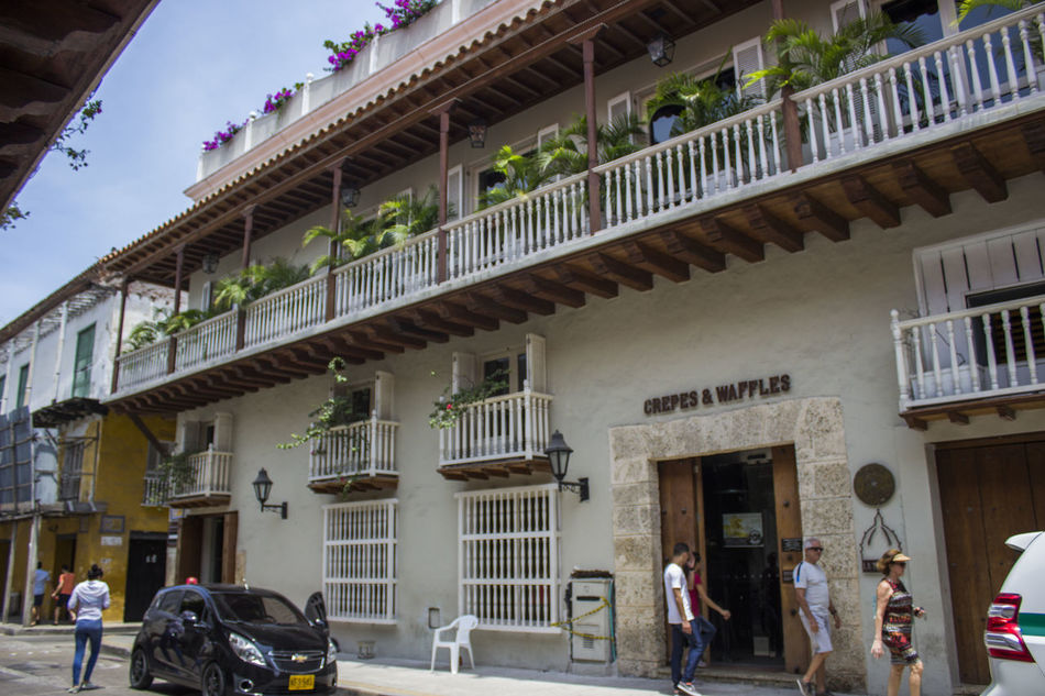 Architecture Building Exterior Built Structure Cartagena Cartagena Colombia Cartagena De Indias Cartagena Se Transforma Cartagena, Colombia Cartagenadeindias Day Horizontal Large Group Of People Men Outdoors People Person Real People