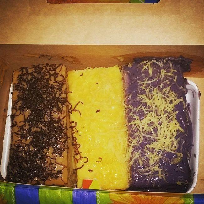 Caramel Yema Ube  Cake Rodillas