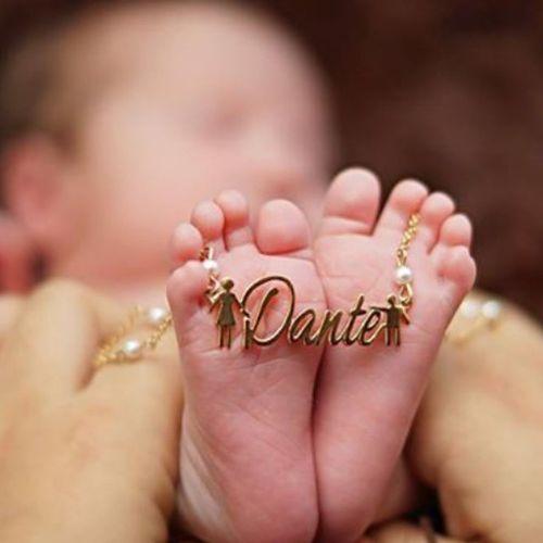 En las mejores manos...las de mama👣Dante BabyDante Xlfotosdebebes Piesitos @kerly_alvarado