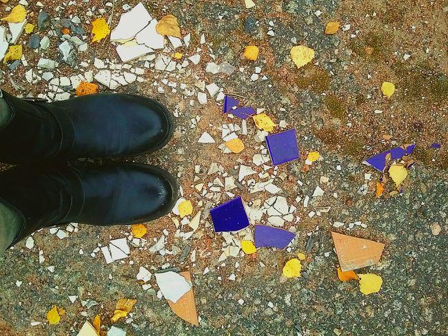Schrapnel Fractured Pieces Broken Tile Color Blue Feet Shoes Boots