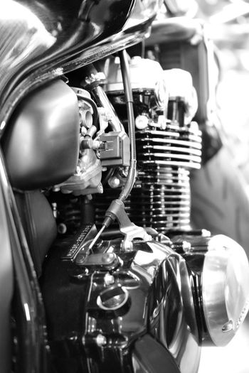 High Responsiveness Arousing Acceleration High Acoustic Noise Artificial Beauty Blackandwhite Photography Close-up Day Engine Gear Indoors  Ironman No People Technology