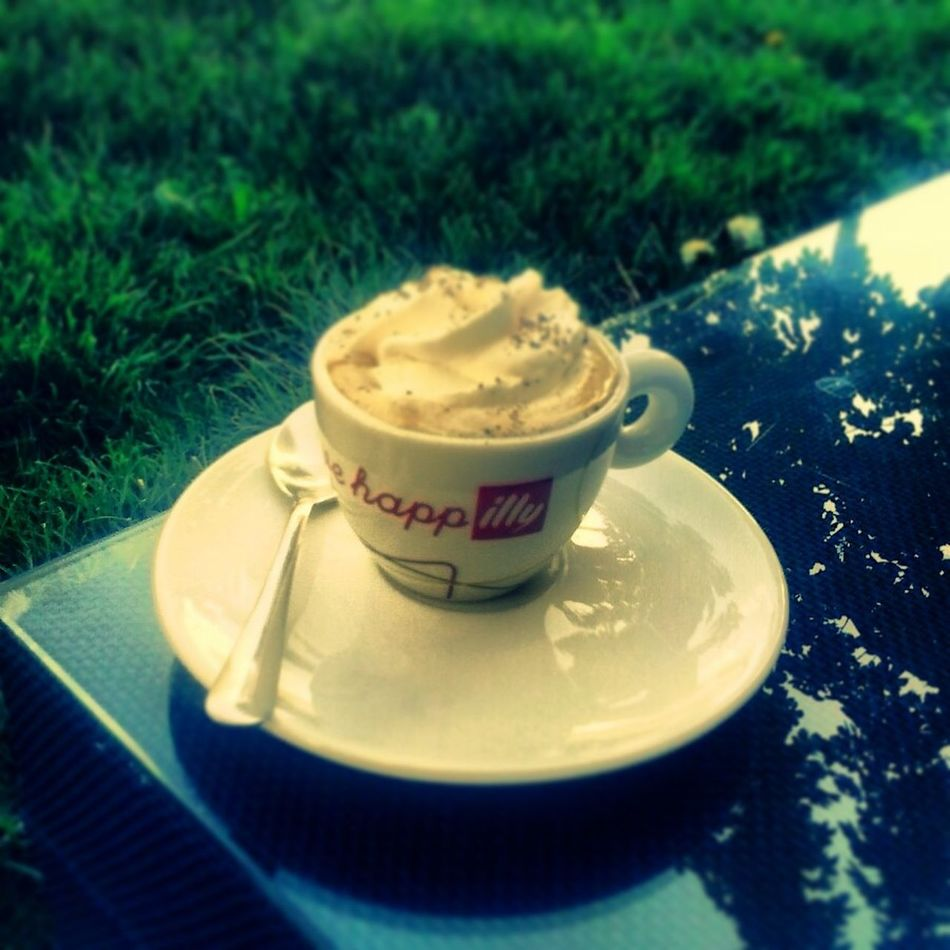 Sunny Day Relaxing Espresso Illy