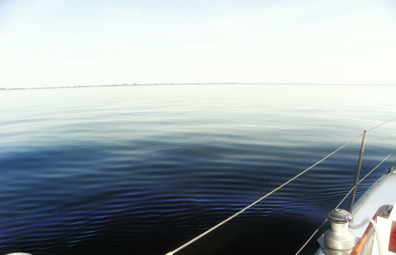Relaxing Enjoying Life Sailing żeglowanie On Board Na Pokładzie Calm Water Spokojna Woda Simple Minimal