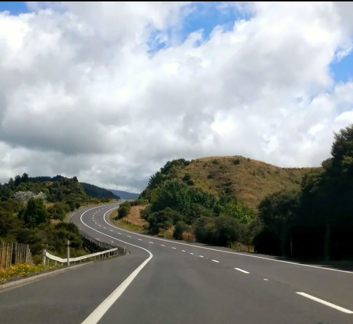 https://youtu.be/VEzLTSF6XaU 😄Im on my way!!!.. Right Turn Road Highway Driving Mountain Outdoors Winding Road Cloud - Sky No People Traffic Circle Betterlandscapes Nature Sky Individual Perspective Women Who Inspire You Personal Perspective Healthy Lifestyle Summer NZ Style Adventure Road Trip Travelling West Im On My Way Creative Mood Windy Road Tranquil Scene