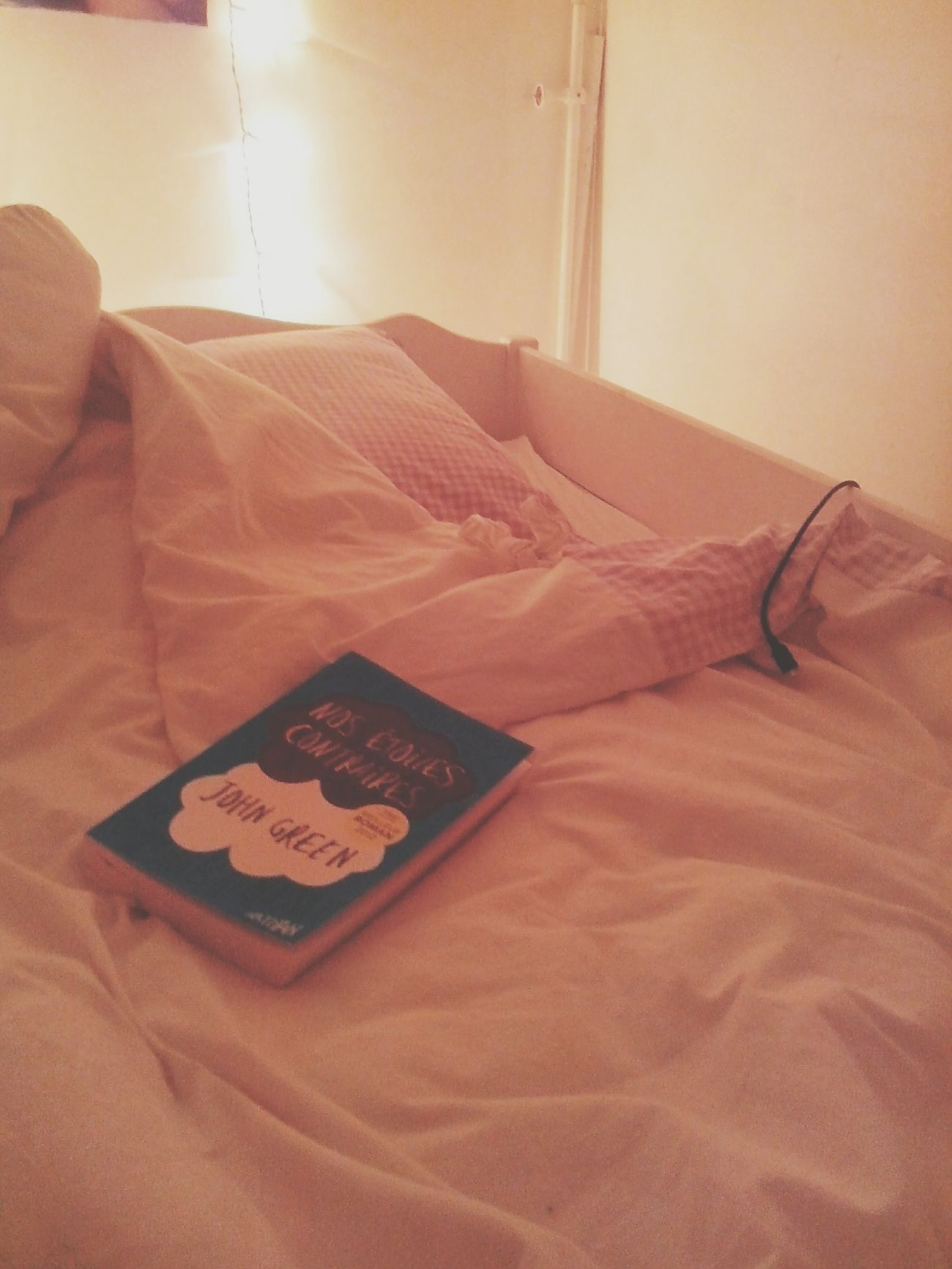 for a good night... 1- Bed 2- Littlelight 3- Boyfriend Texto 4- The Fault In Our Stars