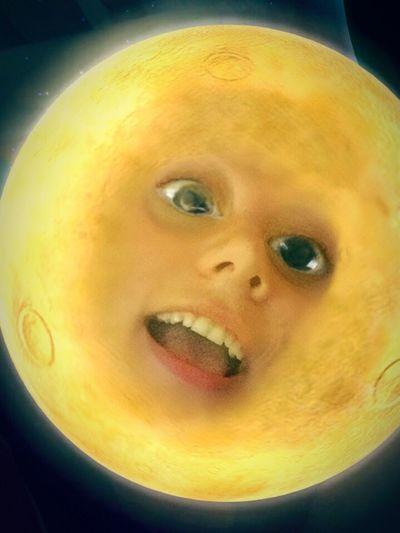 Moon face Snapchat Lydia Moon