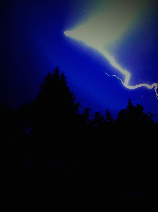 Relaxing Take Photos Taking Photos Holiday Rain Light Happy Check This Out Lightning KaiBass