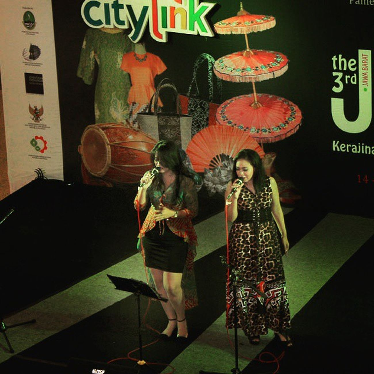 The Singers. Latepost Citylink Citylinkfestival Exhibition humaninterest huminesia people