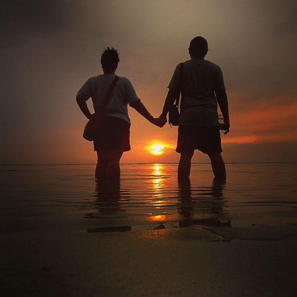 Couple Coupleoftheyear Prewed Sunrise_and_sunsets Sunset Love Anyer  Banten INDONESIA Senja  Pasangan Lenovotography Photooftheday Photophone  Lzybstrd Beach Jingga Pocketphotography