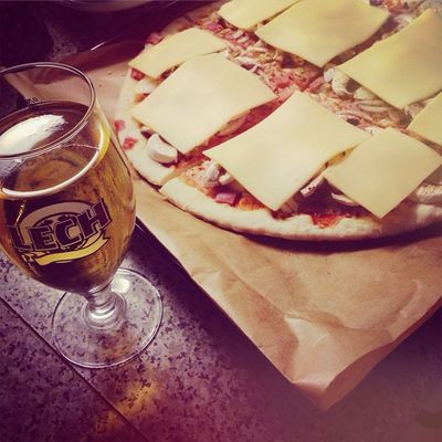 Who Want Dinner Together Romantic Pizza Beer Moon Night Love Lovely Cheese Free Week Passion Candles Cuddles Cute Food Diet Rip Yee Yolo 🍺🍕