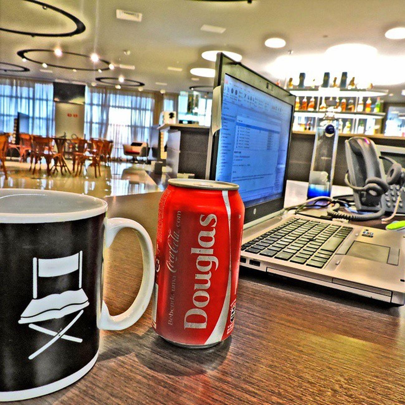 30 Mil anos depois encontrei... meu nome na lata, e não era MUCILON 😅👏 Cocacola NãoBebo Valeaintençao Jobs Work ABRAaFELICIDADE Design Diageo Art Encontre Coke Refrigerant Caneca Diretor QuantoMAISDouglasMELHOR