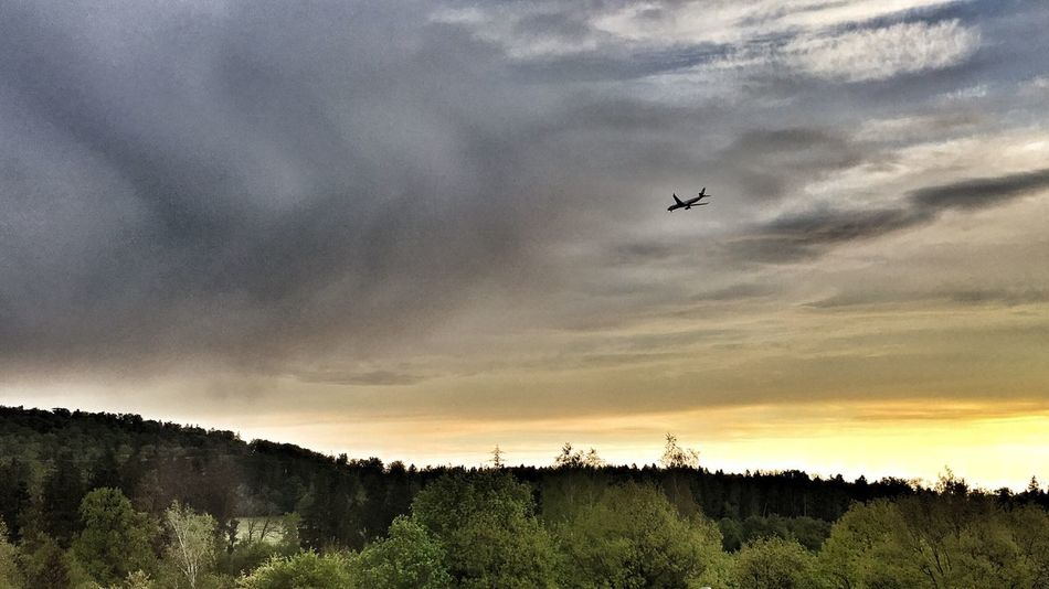 Taking Photos Interesting Perspectives Himmel Und Wolken Fly Away Flying Home