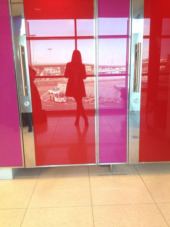 Paris On A Holiday Aeroport ✈ Boarding Embarquement Picture Red