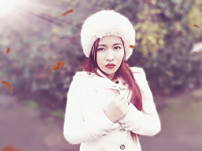 Portrait Looking At Camera Women People Outdoors Fashion Photography Beauty One Person One Woman Only Close-up Fashion Elégance Winter Glamour