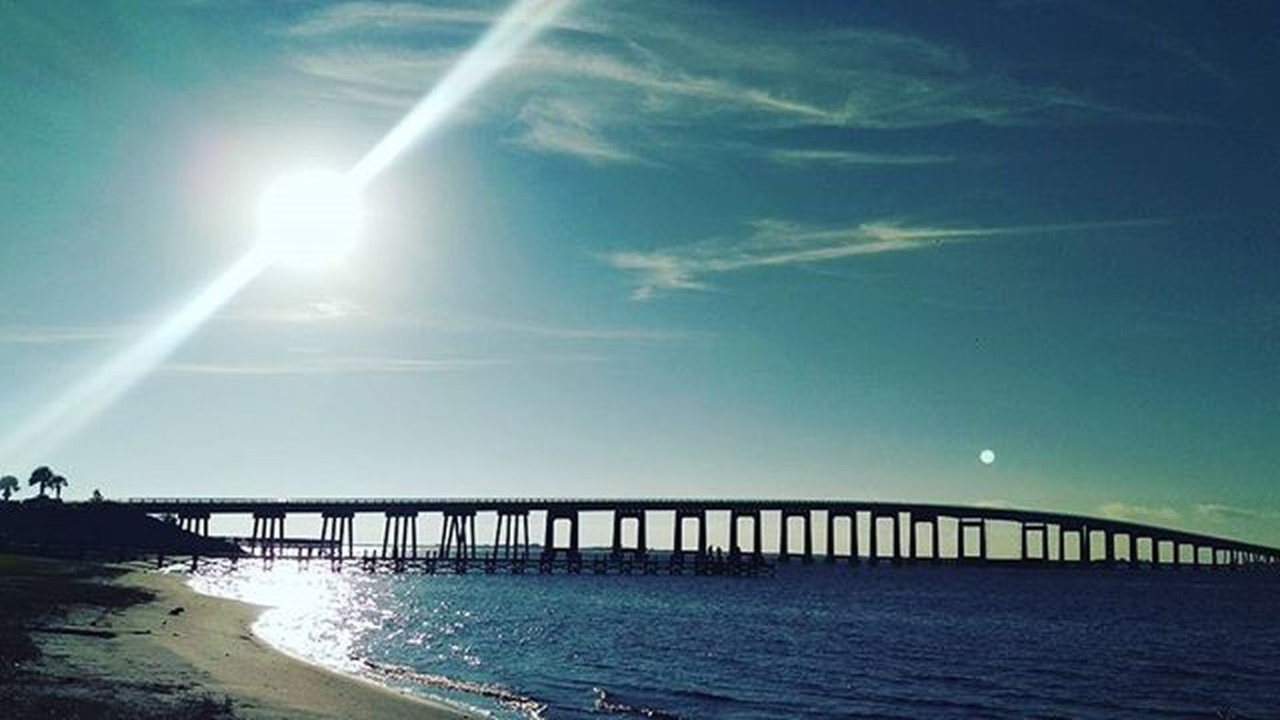 Such a Beautiful morning Navarrebeach NavarrebeachBridge LoveFl Emeraldcoast Emeraldcoasting HTCOneM9 Htconelife Oneography 20 .7mp @htc @HTCUSA @HTC_UK @HTCelevate @HTCMEA @HTC_IN @HTCIreland @HTCCanada @HTCMalaysia @htcsouthasia @htcfrance TeamHTC @sharealittlesunshine @pureflorida Beachlife
