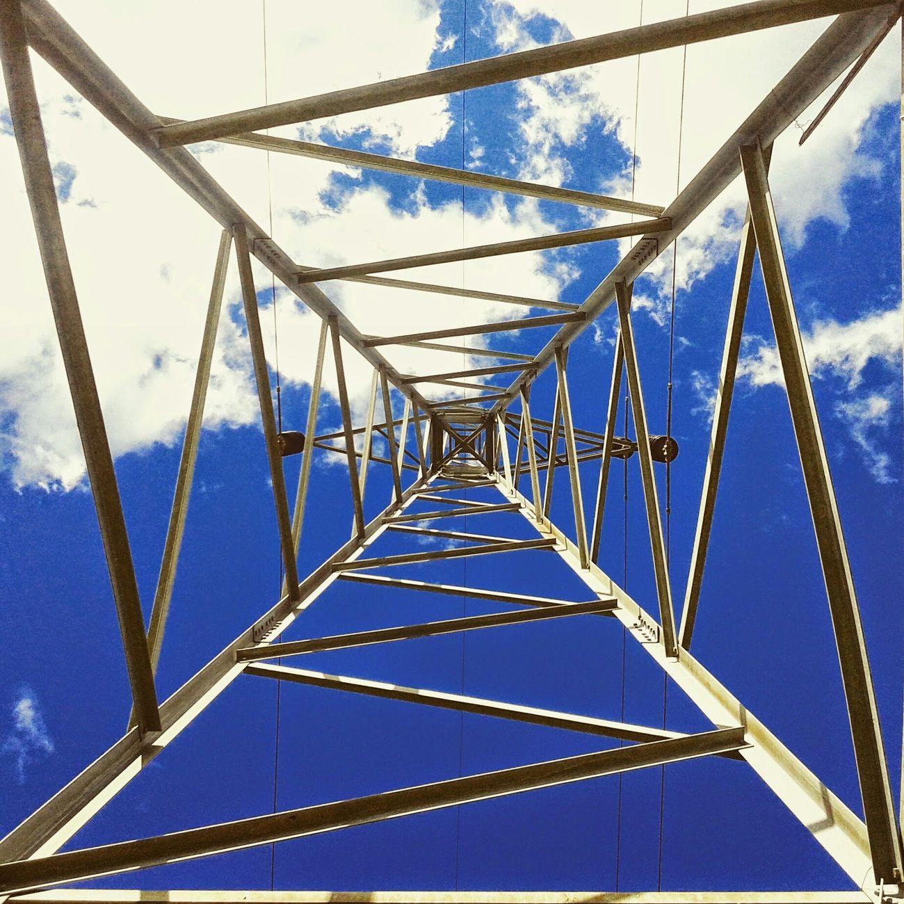 Sky Collection Skylove Bluesky Torre En Algun Lugar Del Universo Travis Barker' Universo Paralello Contemporain Umdiaporvez Bonjour.♥ Mira