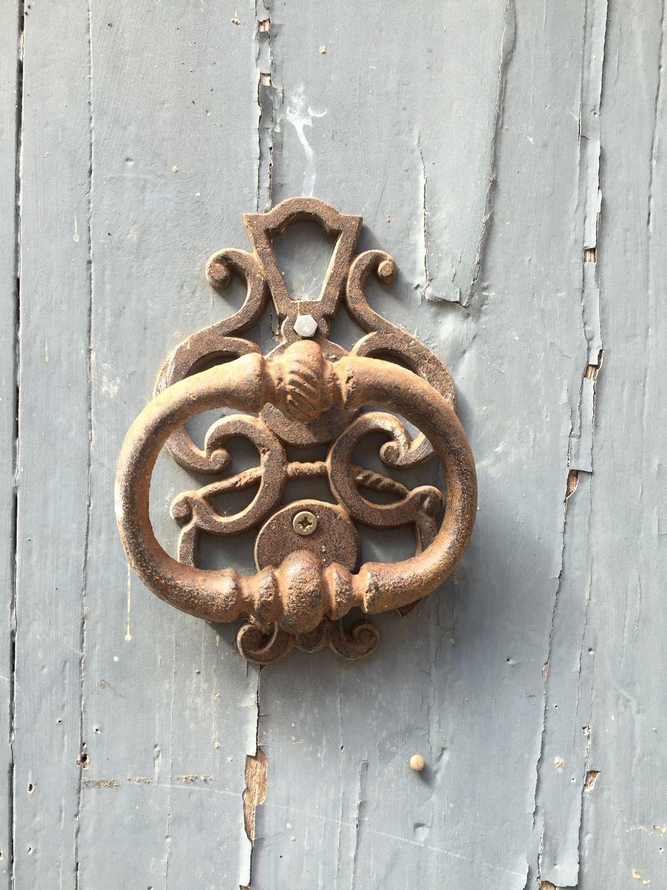 door, close-up, door knocker, metal, outdoors, no people, door handle, day, full frame, protection, wood - material, backgrounds