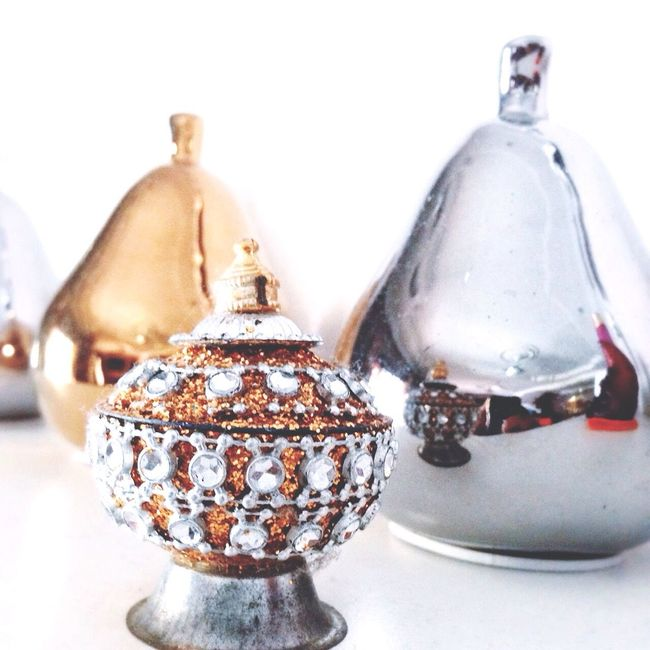 Lighting Indian Pottu Indoors  Photography Nice Elegant Pears Bright Home Gold Silver  Colors Awesome God Beauty Redefine Glitter Glittery White Background White