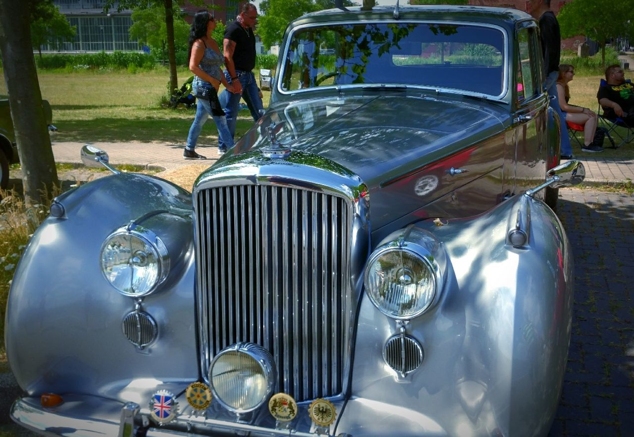 Transportation Mode Of Transport Retro Styled Old-fashioned Adult Lifestyles Day Outdoors Car Close-up Eyeem Market EyeEm Gallery Oldtimer Auto Oldtimertreffen High Angle View Old-fashioned