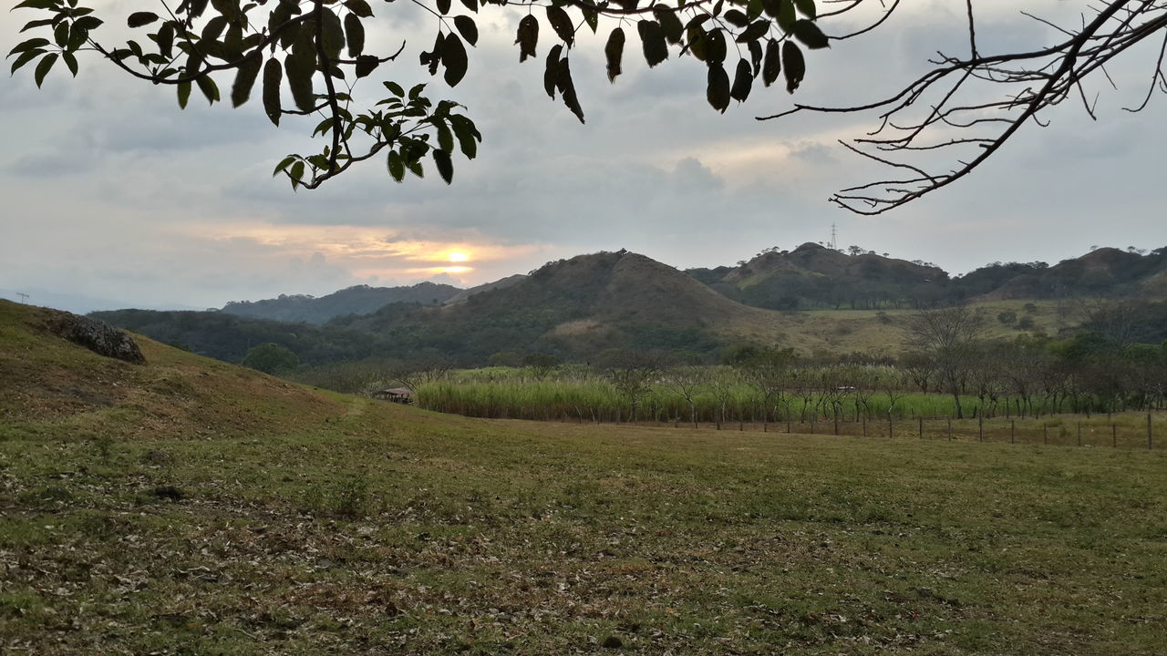 Landscape Mountain Outdoors Tranquility Nature Check This Out Cloudy Beauty In Nature Enjoying Life Guacima Costa Rica
